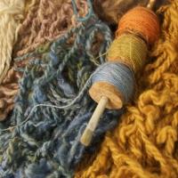 Naturally dyed spun wool